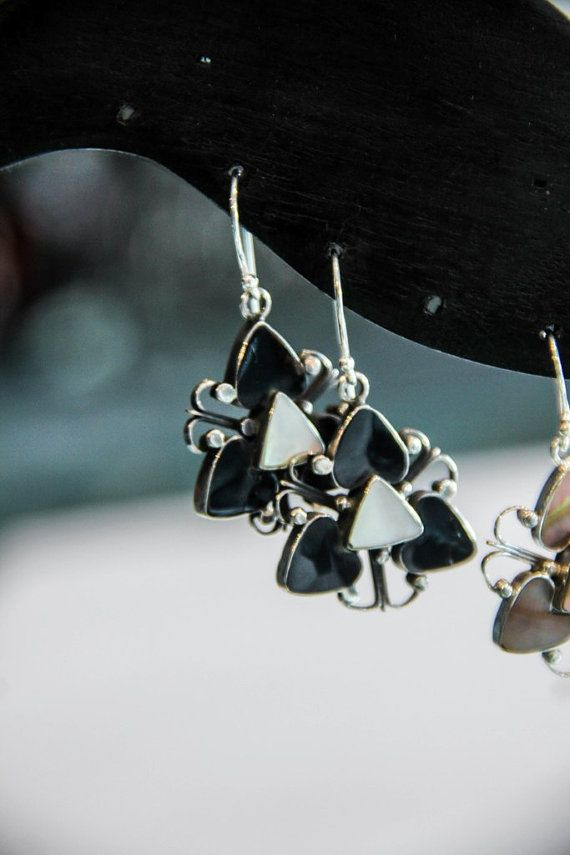 EARRING SILVER  Stearling Silver 925  With Shell  by MoyokSilver  $19.50 USD