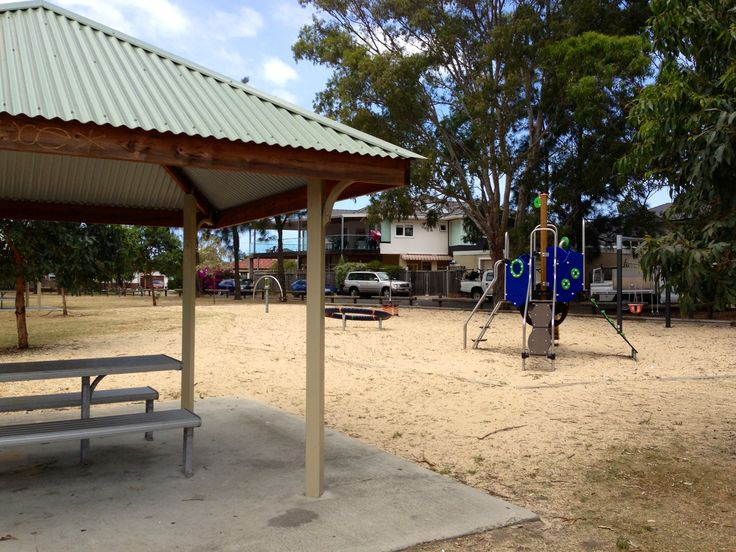 While you launch your boat the kids can play in the bay side reserve. Also a quiet place to eat a take-away lunch. #fishing #boating #kyeemagh #mcgrathstgeorge