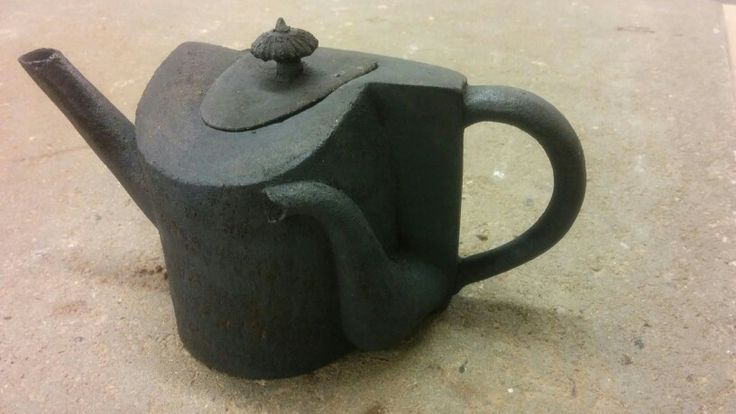 Black reversed Teapot