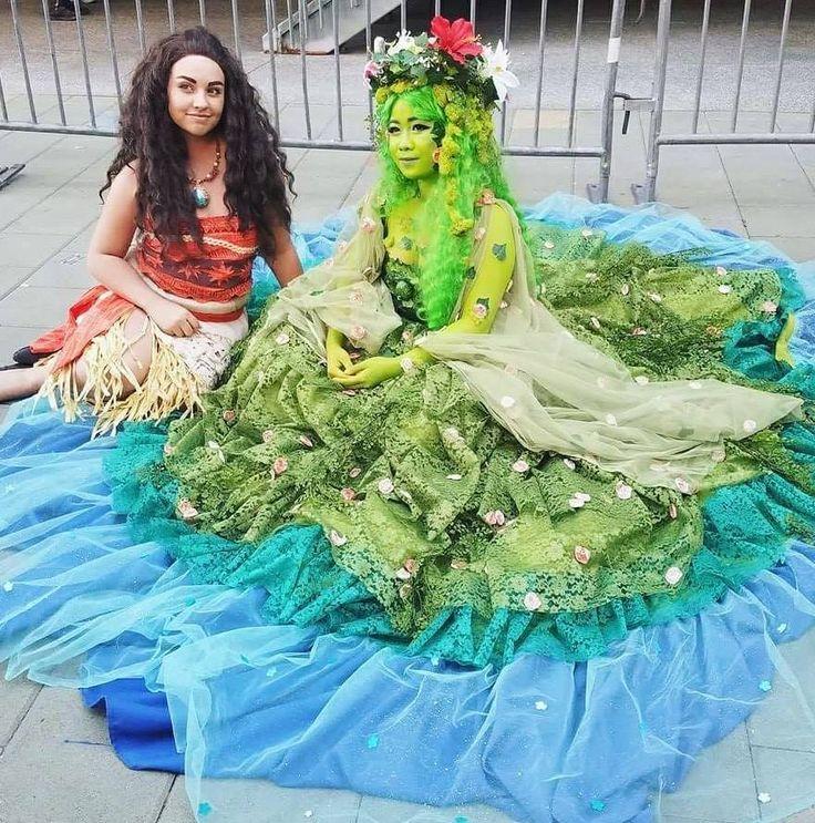 Moana and Te Fiti cosplay