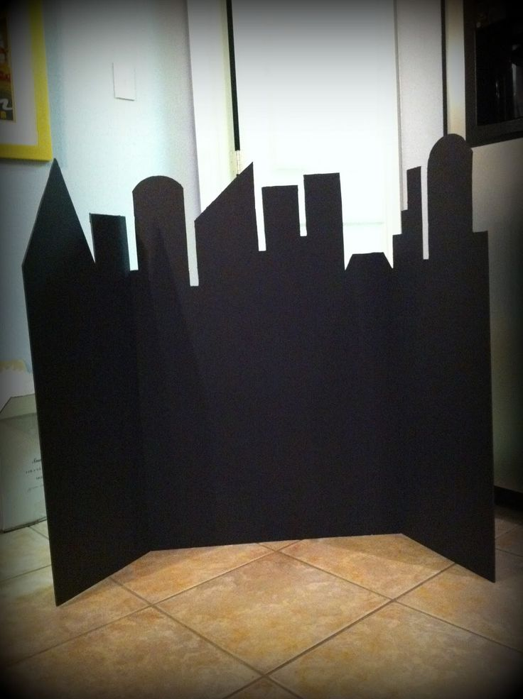 Vista nocturna de la ciudad para tema de super héroes. Instrucciones y plantillas.