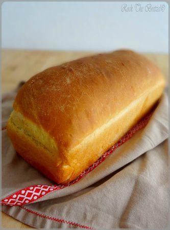 """Pain de mie maison - Approuvé par les amateurs. Testé avec de la farine """"pain de campagne"""" : bon résultat."""