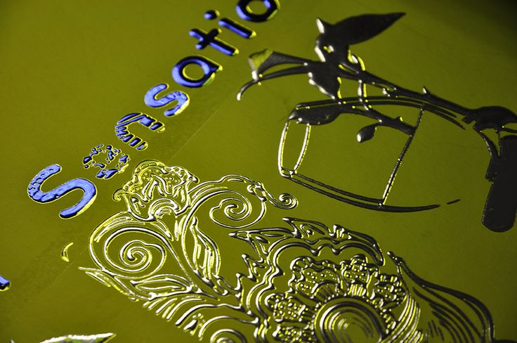 MGI's JETvarnish 3D and iFOIL sensations example.