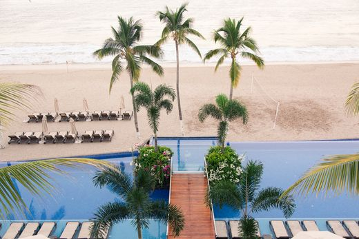Spa services come with a view in Puerto Vallarta. Our VitaMar Spa offers a range of relaxing and rejuvenating treatments while still allowing you to spend your time oceanfront. Unwind in Mexico for your next all-inclusive getaway. | Hyatt Ziva Puerto Vallarta