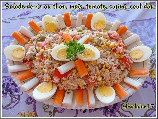 Salade de riz au thon, maïs, tomate, surimi, oeuf dur