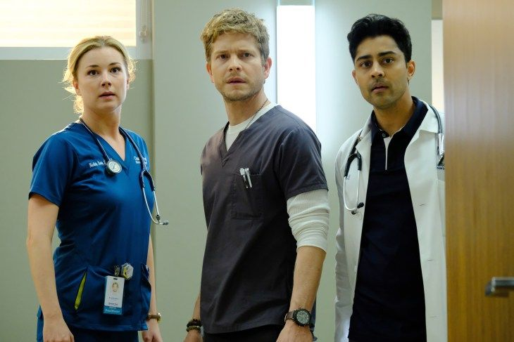 """Emily VanCamp, Matt Czuchry and Manish Dayal in the """"Comrades in Arms"""" episode of THE RESIDENT"""