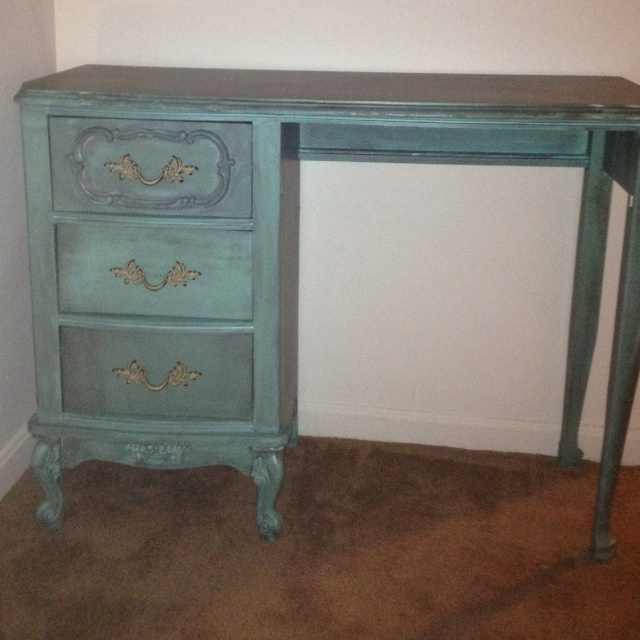 Got Turquoise Paint For A Dollar At The Oops Table At Home Depot And  Finished It. Martha Stewart ...
