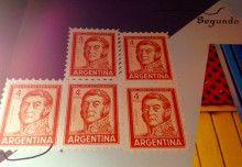 イーストエンドのショーディッチで偶然入ったアルゼンチン料理のレストラン。 アルゼンチンのエンラージした切手を