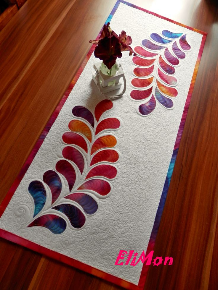 aplikation & quilting table runner