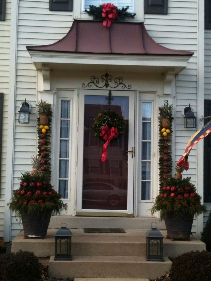 Front Porch Colonial Christmas Decorations 2012 Magnolia And Apple Plaques,  Boxwood Wreath, Apple And