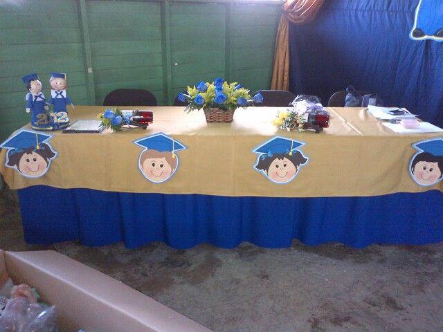 48 best images about graduaci n on pinterest mesas for Mesas para preescolar