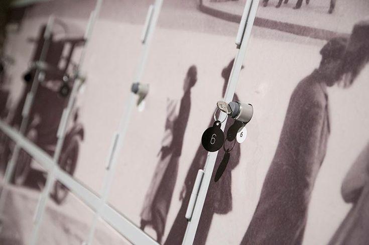 Impresión, decoración e instalación de taquillas y pared viniladas para Telefónica