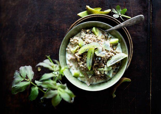 Bokhvetegrøt medkiwi og gresskar