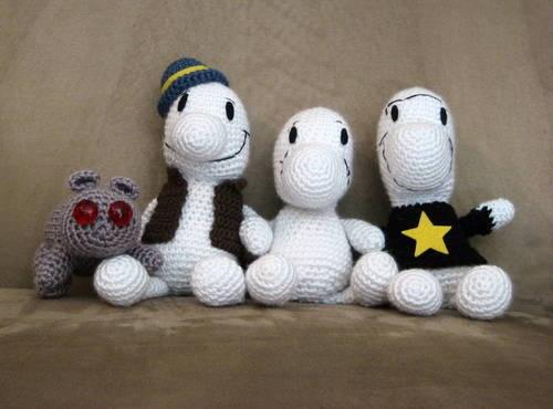 "Simplemente Bone… Me encanta Bartleby ^_^ (Fone Bone, Phoney Bone, Smiley Bone y Bartleby - Amber ""Cthulhu crochet"")."