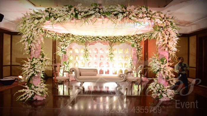 Mehndi Stage Decoration Lahore : How to plan good wedding stage decoration in pakistan see