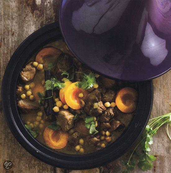 Lam met abrikozen, rozijnen en kikkererwten -  Tajines, Malika Hamza (Klik op de foto en bekijk het recept in het inkijkexemplaar)