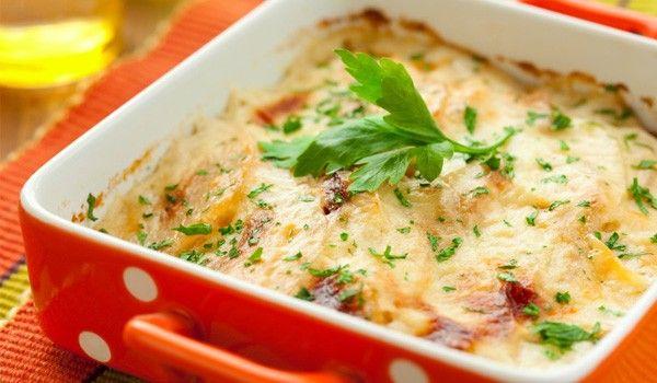 """Πατάτες """"ογκρατέν"""" με μοτσαρέλα και παρμεζάνα"""
