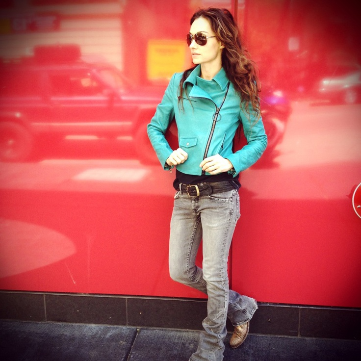 I love Kelly Wearstler... so hot.: Color Combos, Hands, Backdrops, Fashion Design, Bold Color, Color Leather, My Styles, Acid Wash Jeans, Coats