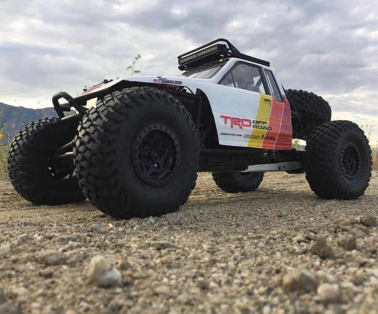 Brushless system is in lights wired up optional crawling throttle expo set on radioshe's ready to rip! . . #KrawlZoneRC #rc4wd #axial #axialracing #axialadventures #axial #rc #rcscale #kingofthehammers #vanquishproducts #methodracewheels #rigidindustries #darkmtnphoto #offroad #offroadracing #poisonspyder #4x4 #rockracer #crawler #caseycurrie #atees #asiatees #asiateeshobbies #rcneverstops