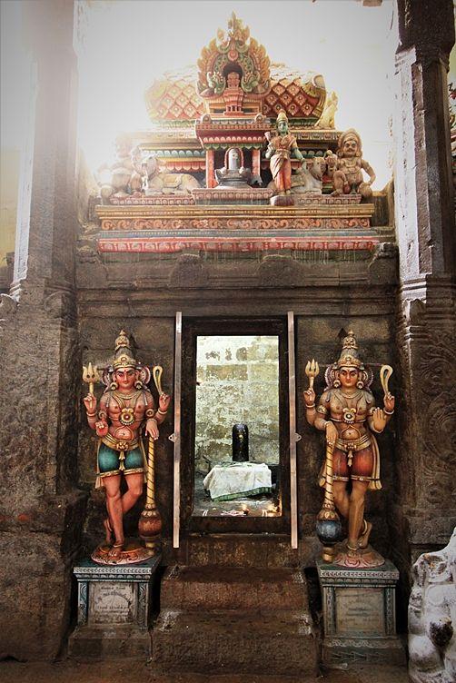 Lingam, all'interno Meenakshi Amman Temple, Madurai. Foto di Samuele Fracasso