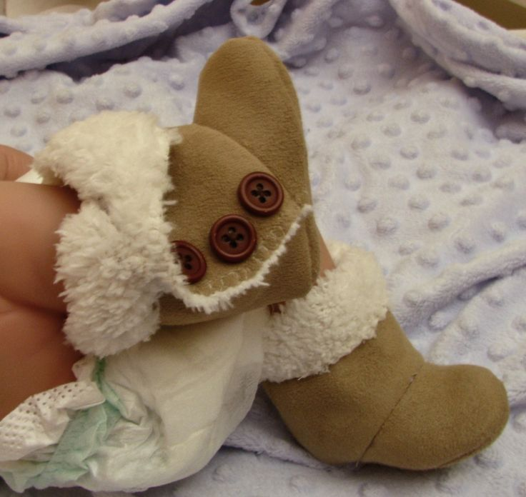 Baby Ugg Boots Pattern - just made a pair today, easy with video tutorial