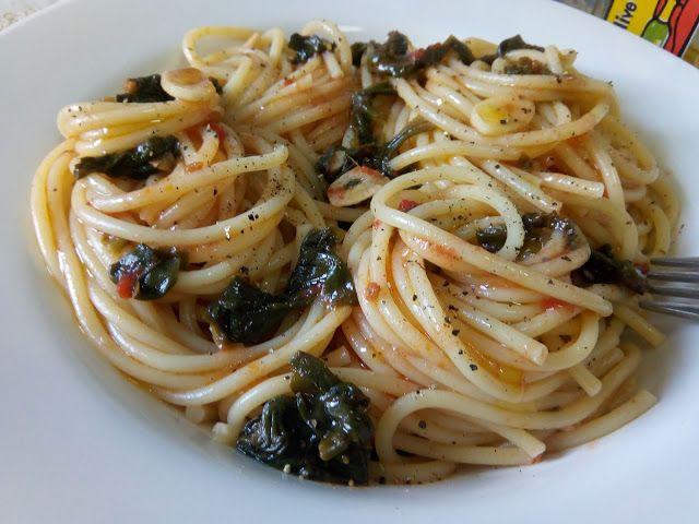 Hellena  ...din bucataria mea...: Spaghete cu spanac si usturoi - de post