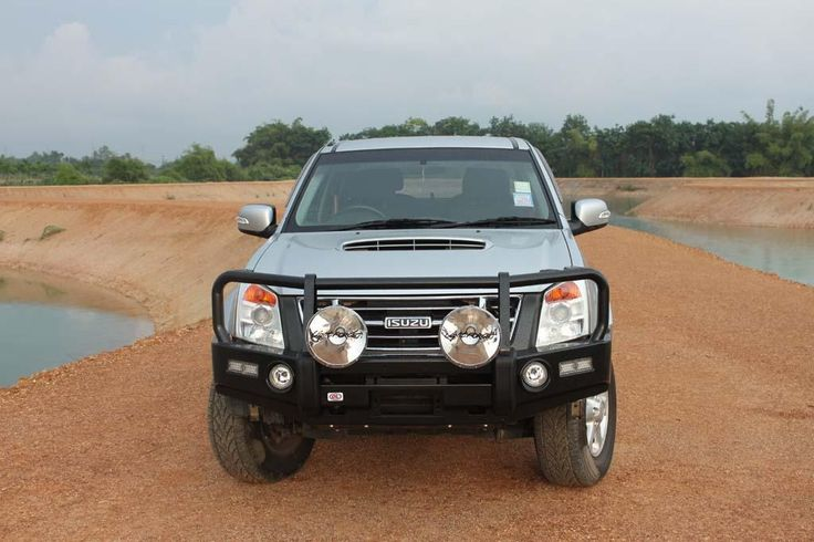 Premium post bar to suit Isuzu D-Max (2007-2012) and Holden Rodeo RA7