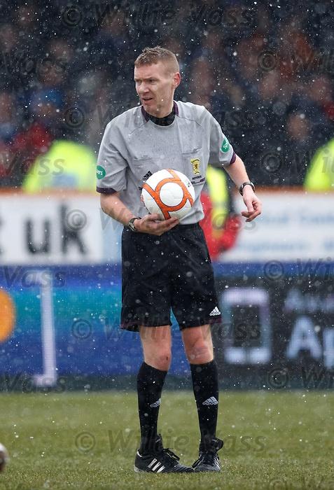 Referee Calum Murray
