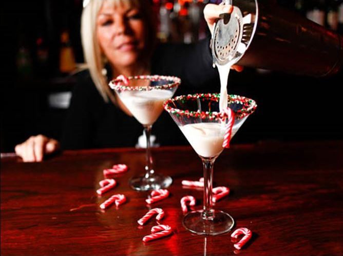 "How To Make A Hosting a Holiday party and need a unique drink for your guests?  How about the Santatini…Debbie from Mancy's Steakhouse has shared how to make this festive cocktail. A bright, fresh-tasting ""tini"" that tastes like the holidays: white chocolate liqueur, vanilla vodka, and..."