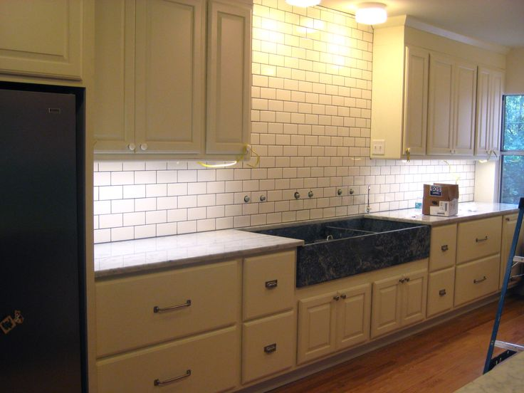 Subway Tile Backsplash With Expresso Cabinets White Subway Tile Gray Grout Cream Cabinets