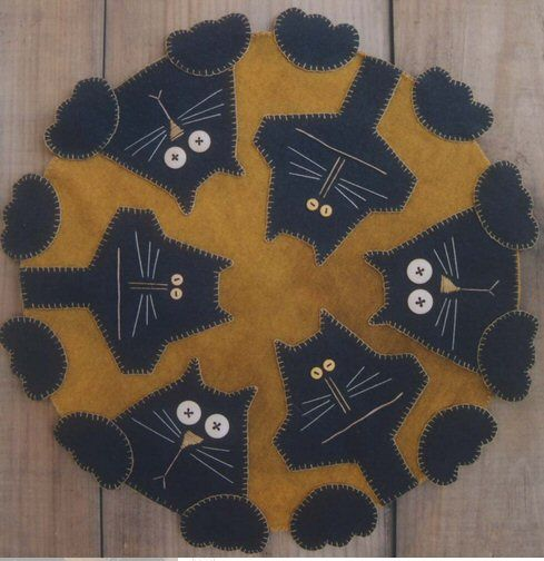Penny Paws Wool Applique Mat