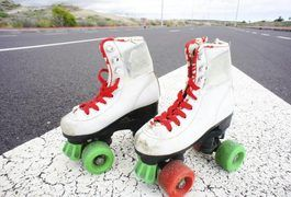 Skating basics and tips. Basic roller skates became more and more sophisticated late in the 20th century when two hockey players created a modern version by using hockey boots and upgraded materials. Roller skating now is commonly known as rollerblading or inline skating, and -- as Inline Warehouse explains -- you can do everything from speed skating to trick skating on...