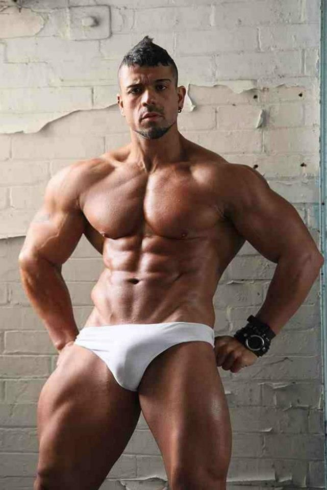 Gay Bodybuilding Pictures 116