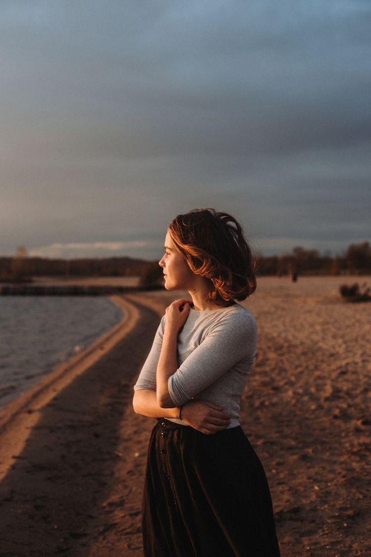 Imagenes Para Tus Novelas - Chicas Sintiendo la Brisa   Картинки поз, Женские позы, Фотосъемка