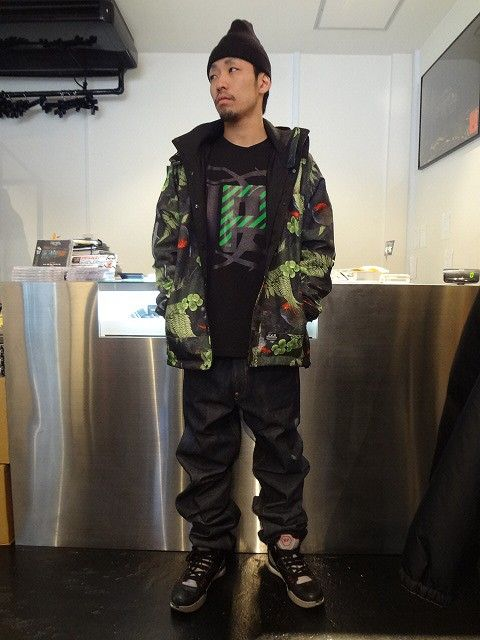 AB CAMO MOUNTAIN JACKET http://www.rams-web.com/products/detail4157.html DPS L/S TEE http://www.rams-web.com/products/detail4067.html DENIM PANTS http://www.rams-web.com/products/detail3864.html