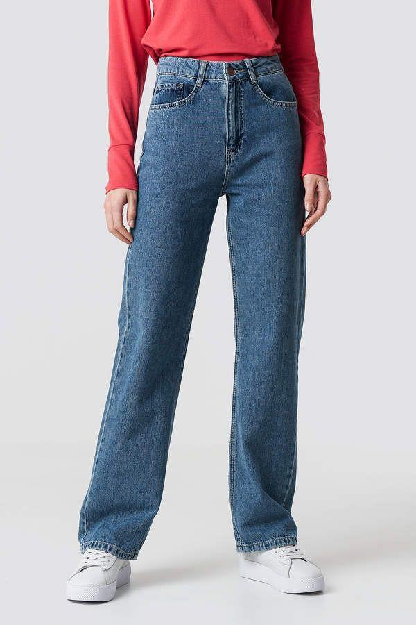 946d34793b21d4 Emilie Briting X Na Kd High Waist Flared Jeans Mid Blue