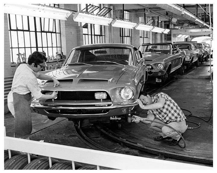 Chaine Ford Mustang - Vintage Automobile Dealerships and Automobilia .
