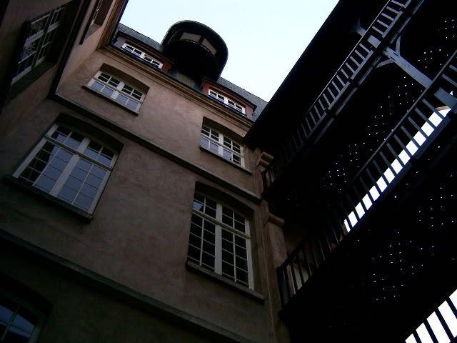 Cour Intérieure MIJE Auberge de jeunesse Paris