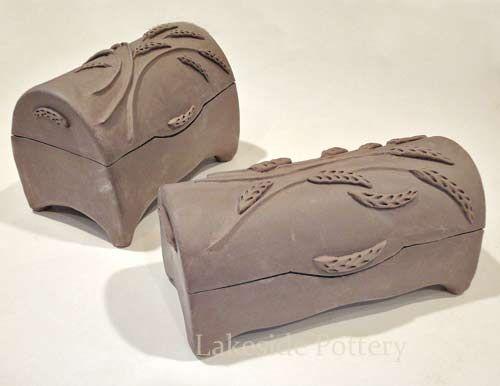 Google Image Result for http://lakesidepottery.com/Media/JPG_Images/handbuilding-projects-ideas/ceramic-treasure-box.jpg