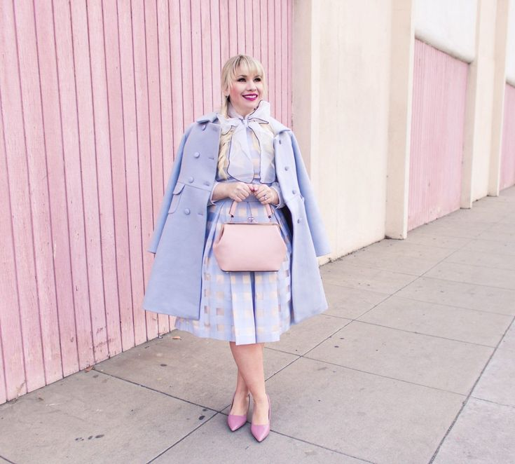 Absolutely adore this pretty pastel monochrome outfit for winter! Perfect for any feminine wardrobe!