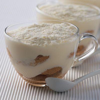 Découvrez la recette tiramisu au thé et au chocolat blanc sur cuisineactuelle.fr.