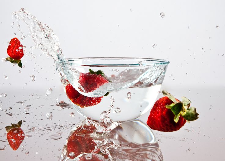 Fruit & Veggie Sprays Clean Better Than Water : Make Your Own For Just A Few Cents