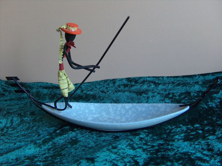 http://www.ebay.de/itm/Puzzelschale-Keramikschale-Drahtfigur-50er-Jahre-Design-Gondoliere-Venedig-/221795225125?pt=LH_DefaultDomain_77