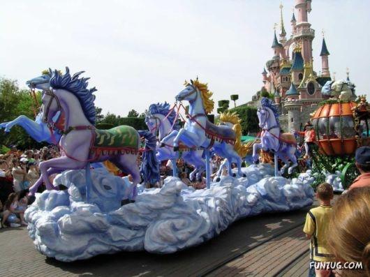 Cinderella 39 s parade float disneyland paris everything for Princess float ideas