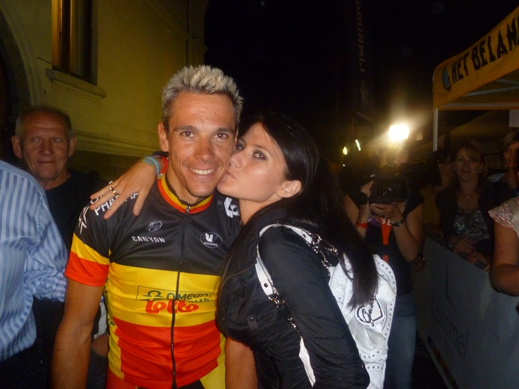 A kiss for Philippe Gilbert!