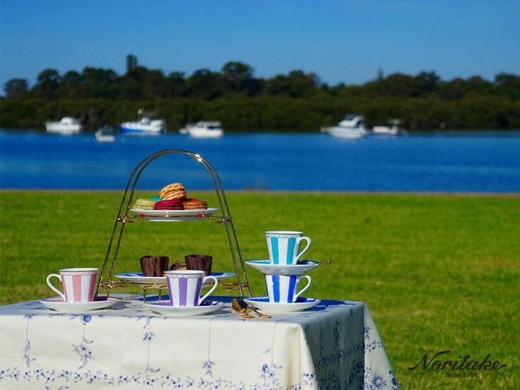 Outdoor picnic idea using Noritake Carnivale teaware collection.