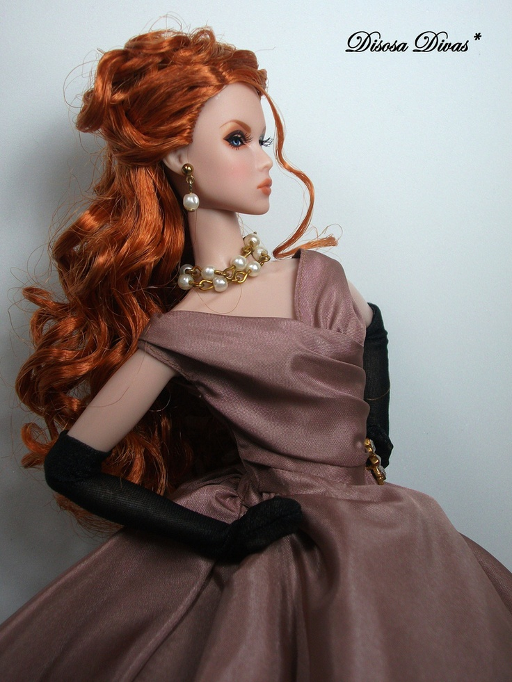 Beautiful Bride Doll This Glamorous 60
