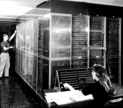 MANIAC II (por sus siglas en inglés Mathematical Analyzer Numerical Integrator and Computer Model II) fue una computadora de primera generación, construida en 1957 para ser usada por Los Alamos Scientific Laboratory.  MANIAC II fue construida por la Universidad de California y Los Alamos Scientific Laboratory, completándose su armado en 1957. Su unidad aritmética tenía 2,850 válvulas de vacío y 1,040 diodos. En total tenía 5,190 válvulas de vacío, 3,050 diodos, y 1,160 transistores.