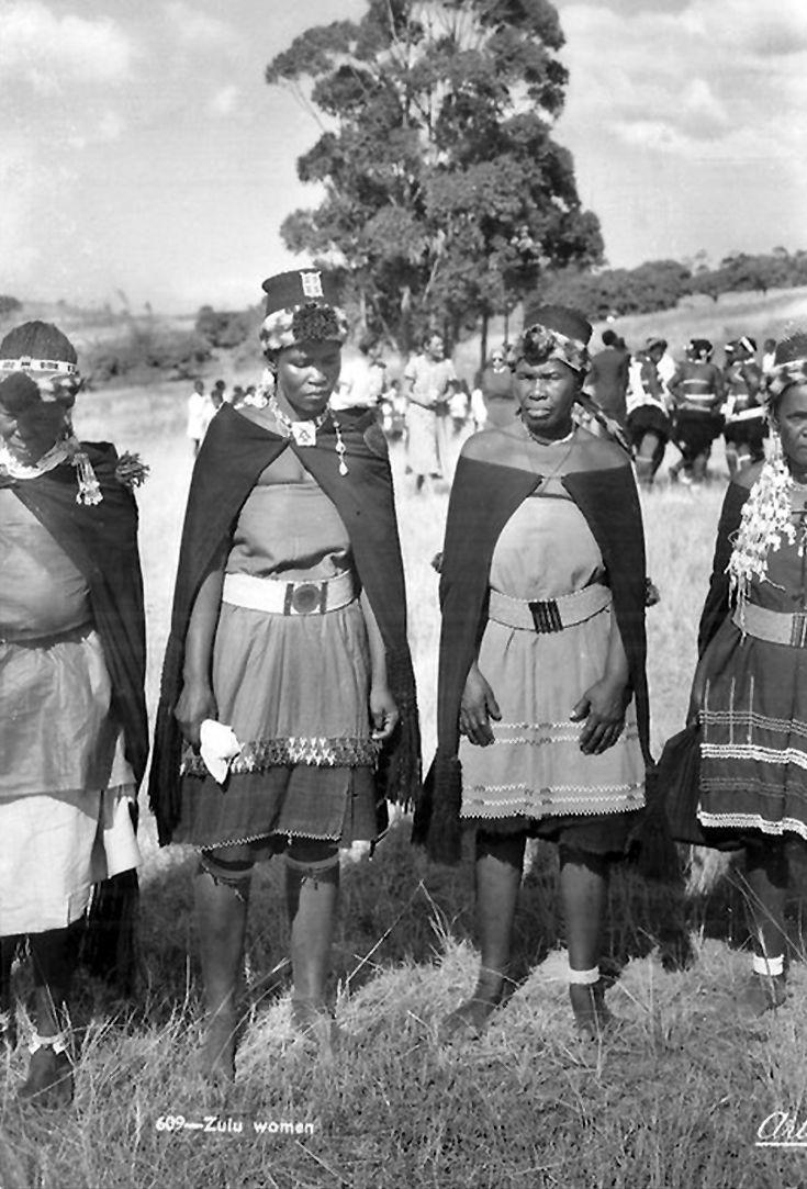 Zulu traditional dress in zulu kraal kwazulu natal - Africa Zulu Women South Africa African Tribesbeaded Dresseszuluvintage