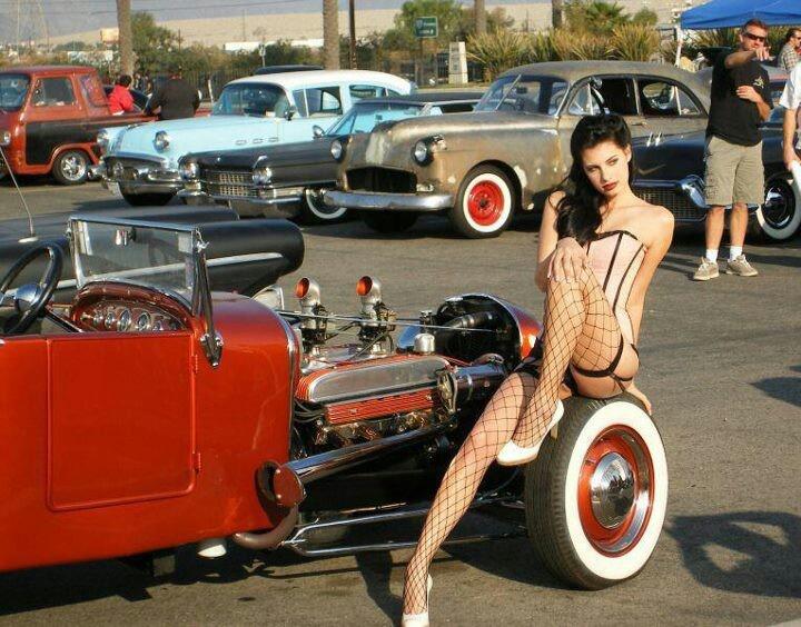 Gang bang : Naked Girls - DampLipscom
